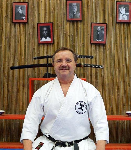Trainer - Dojoleitung und Trainerteam - Yuishinkan ...  Trainer - Dojol...